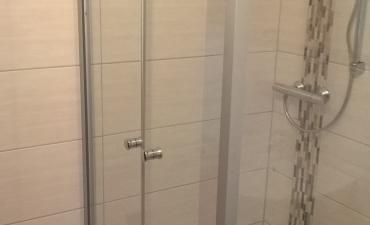 Badsanierung Duschabtrennung